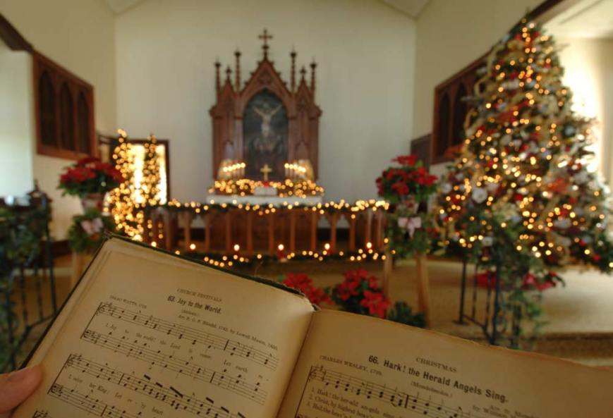 country-church-christmas