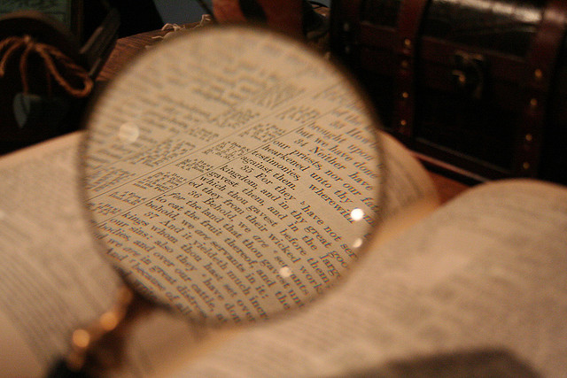 bible-magnifying-glass