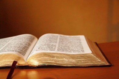 Open-Bible-Religious-Stock-Photos